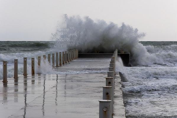 В Чёрном море усилились волны