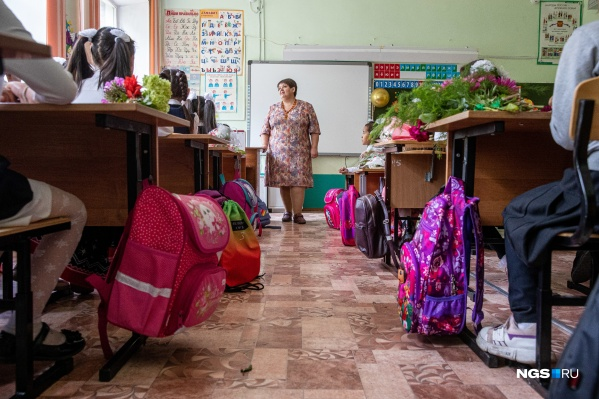 """Школа <nobr class=""""_"""">№ 66</nobr> — одна из старейших в Новосибирске, появилась еще до основания Новониколаевска. Но примечательна она в первую очередь своим национальным составом — в основном здесь получают среднее образование дети трудовых мигрантов"""