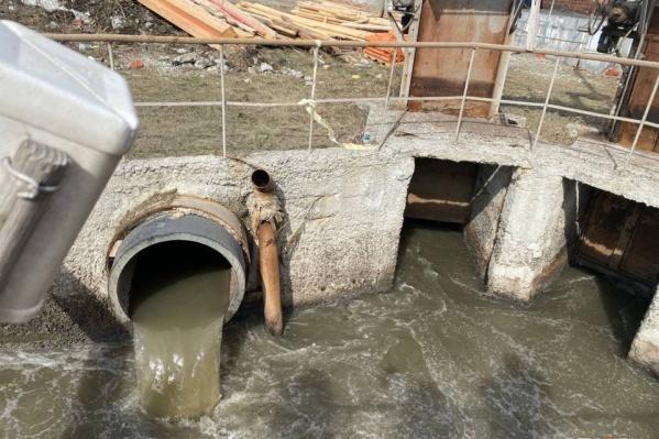 Сточные воды из больниц, где лечатся пациенты с коронавирусом, попадают в общие канализационные городские стоки