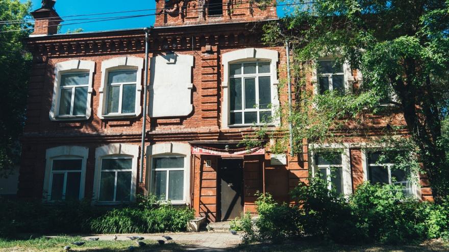 Особняк со столетней историей: какие загадки хранит доходный дом на Красногвардейской