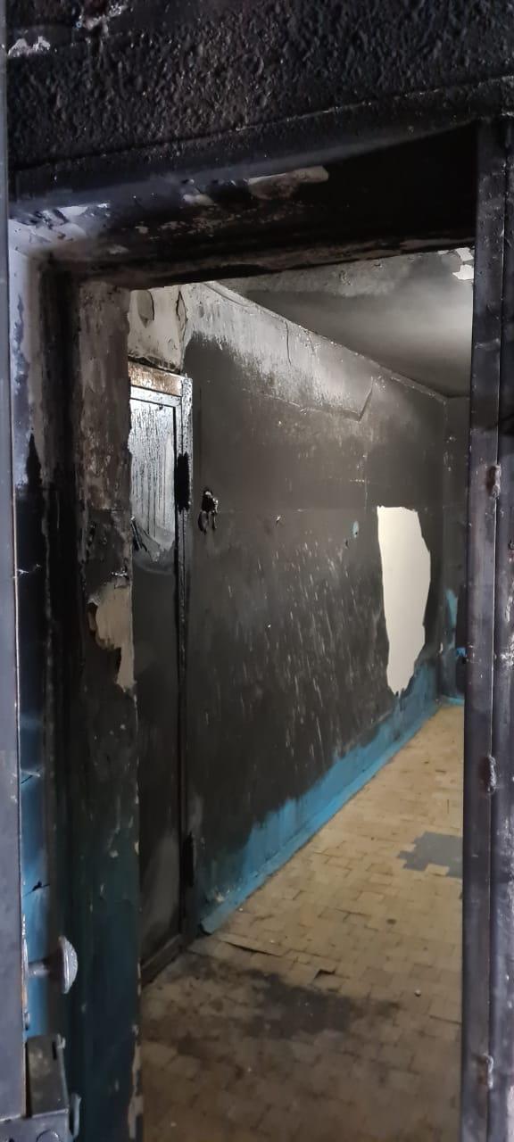 Стены будут очищать и заново красить