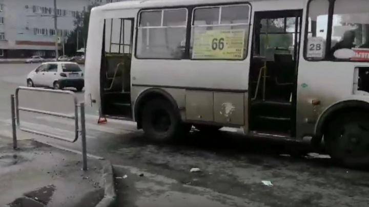 Сбитая водителем маршрутного ПАЗа челябинка умерла в больнице