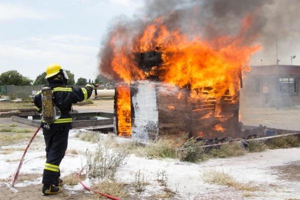 По статистике МЧС, 72% пожаров возникает из-за неосторожного обращения с огнем