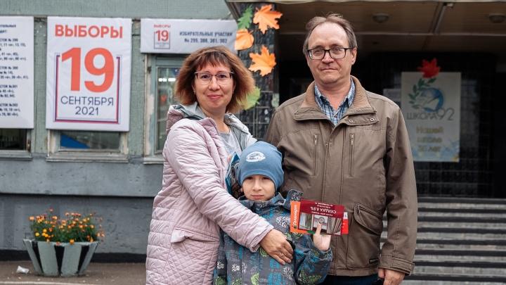 Кузбасс голосующий: фоторепортаж с избирательных участков