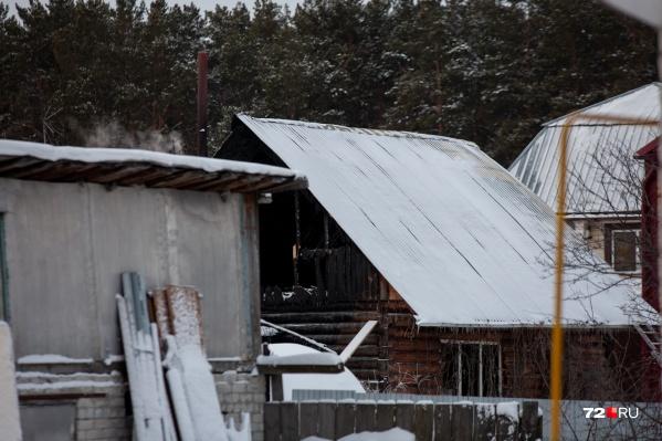 Крупный пожар в Боровском унес жизни семи постояльцев. Некоторые из них имели заболевания и инвалидность