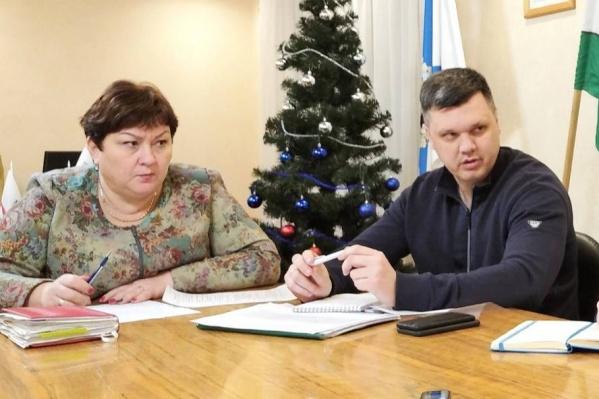 Надежда Ботева на совещании с бывшим зампредом правительства Поморья Евгением Фоменко