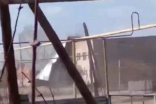 Крыша здания не выдержала ветра