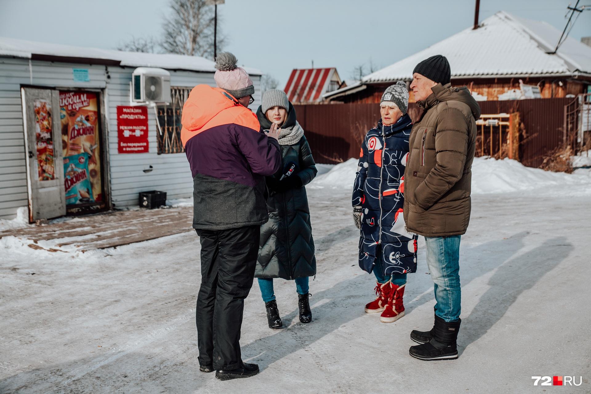 На встрече с журналистами местные жители высказали сильное беспокойство о том, что будет с их СНТ весной, когда снег начнет таять