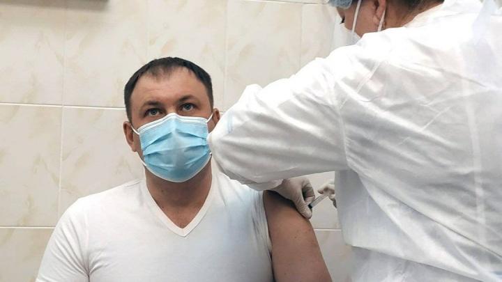 Мэр Кемерово поставил вакцину от коронавируса