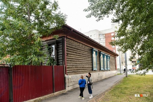 Здание XIX века на территории ТТУ — единственное настолько старое в округе