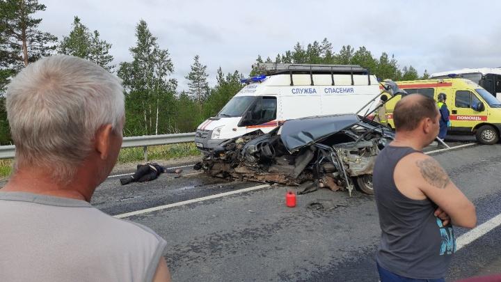Смертельная авария с автобусом и легковушкой близ Рикасихи спровоцировала пробку на трассе М-8