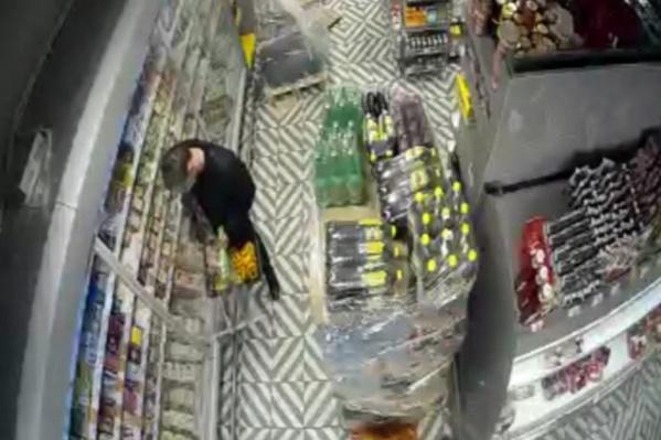 Полицейские узнали похитителя с видео и задержали