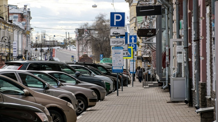 Экс-депутат Госдумы о дорогих платных парковках в Нижнем: «Начинать надо было с другого»