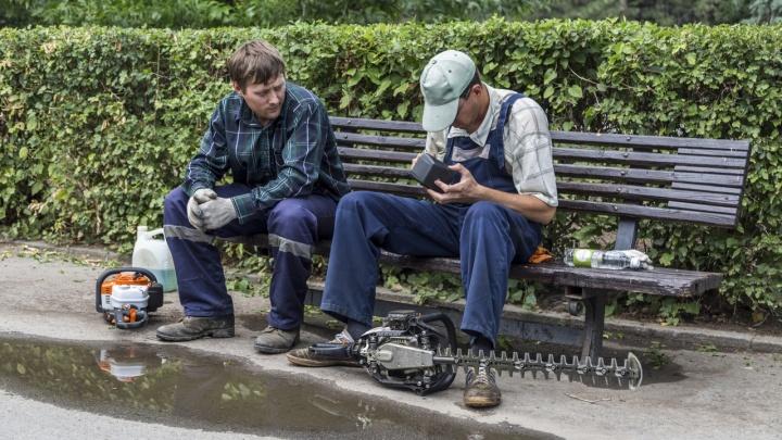 В Волгограде мужчину убил неисправный провод газонокосилки