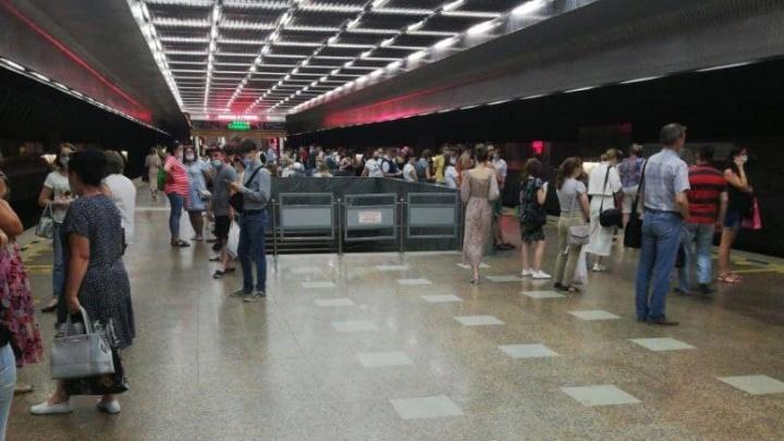В Екатеринбурге закрыли метро из центра в сторону Уралмаша