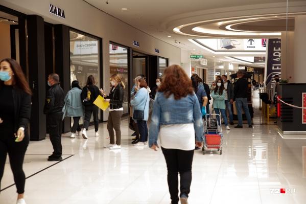 По данным статистики, соискателей в половину меньше, чем вакансий, в центрах занятости