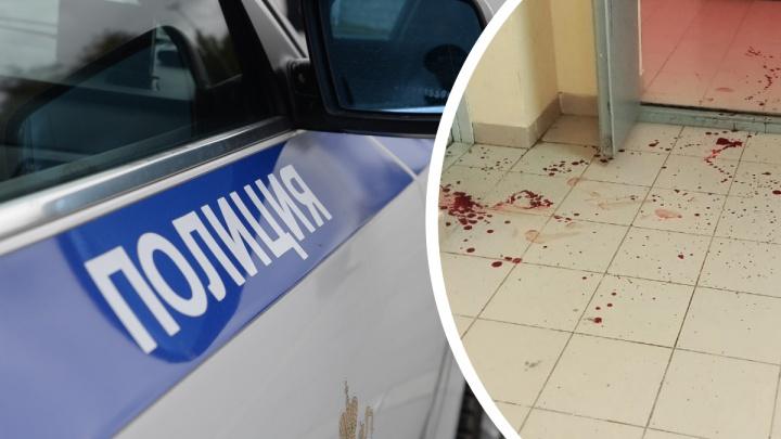 «Подъезд залит кровью». Соседи рассказали о потасовке в квартире екатеринбургской экс-наркоторговки