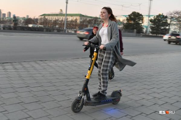 Эксперт рассказал, почему считает, что электросамокаты скоро станут основным средством индивидуальной мобильности