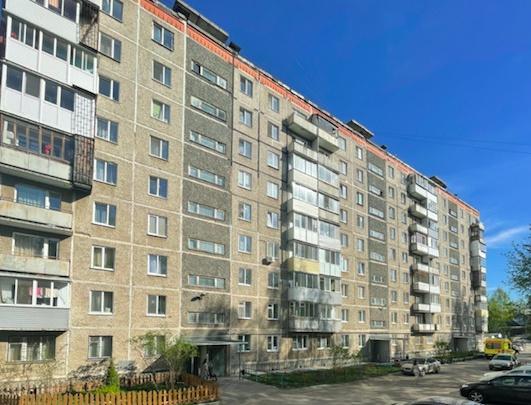 Попали в хорошие руки: за два года многоэтажка на Чехова,14 преобразилась до неузнаваемости