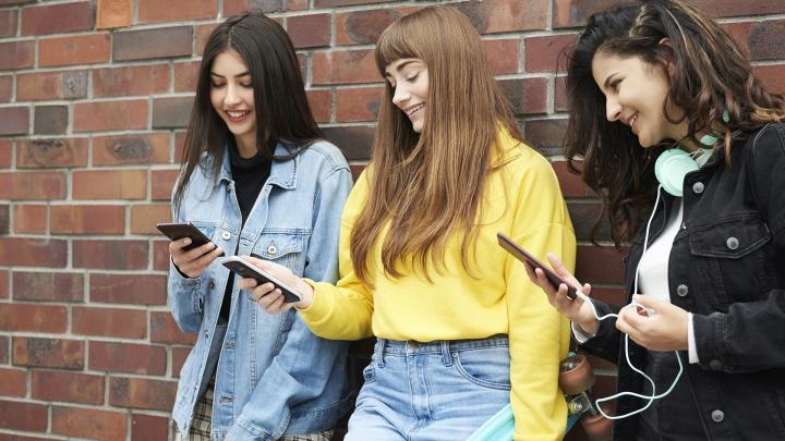 Магазин на Затулинке начал дарить крутую технику: есть шанс выиграть смартфон или лампу, как у блогера