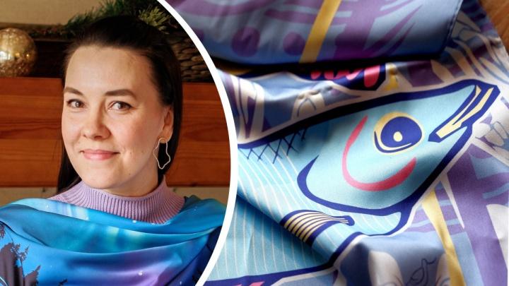 Корюшка— на шею. Северодвинка создает новый северный бренд: яркие платки с авторским принтом