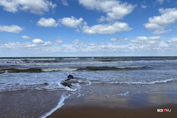 Азовское море мельче, чем Черное