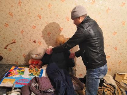 Бил руками по голове и ногой в живот: в тюменском селе мужчина забил 31-летнюю сожительницу