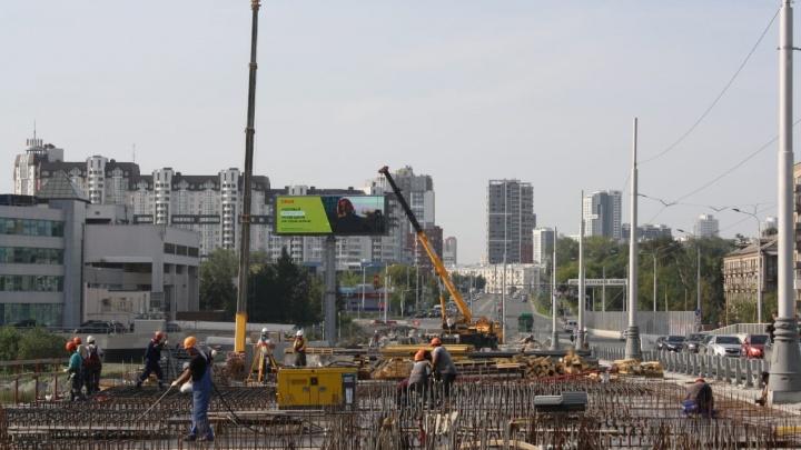 По Челюскинцев не проехать: Макаровский мост закроют на все выходные