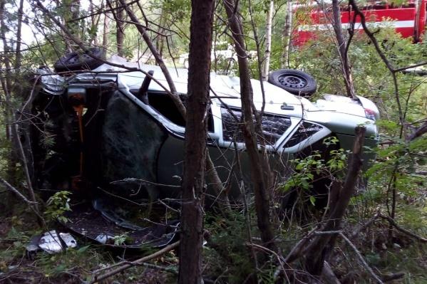 Водитель ВАЗа не справился с управлением и вылетел с дороги