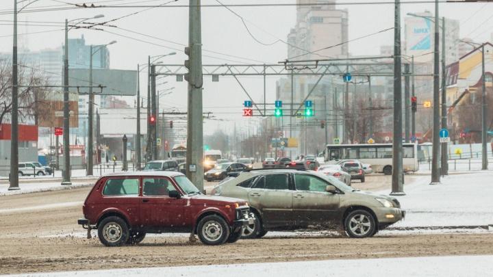 На кольцах Московского шоссе изменят схему движения транспорта