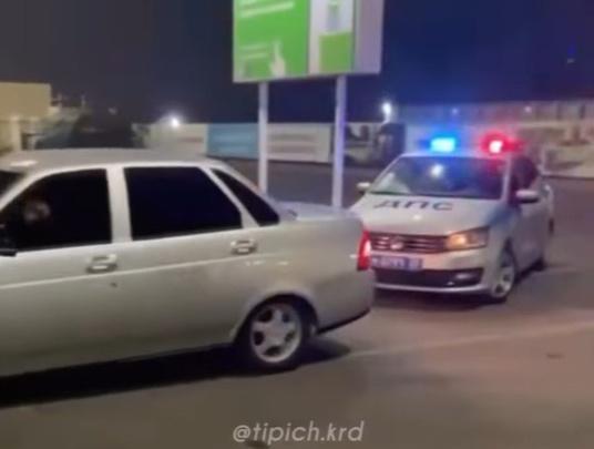 В Краснодаре 19-летний парень протаранил машину ДПС и получил 3 штрафа