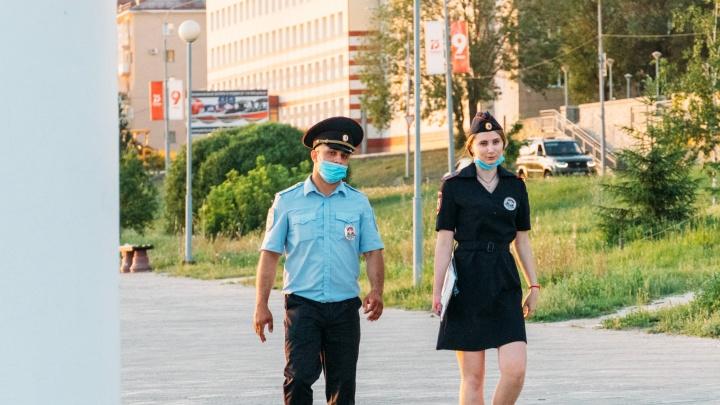 В Омской области не стали ужесточать коронавирусный режим. Какие ограничения еще в силе?