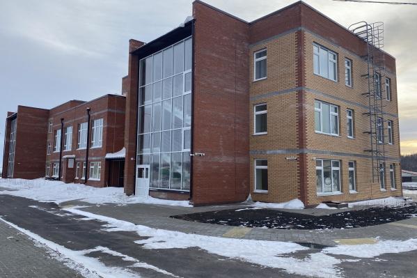 Здания в поселках построены по одному проекту