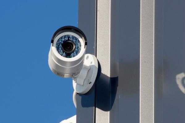 Провайдер установил 12 внешних и внутренних видеокамер