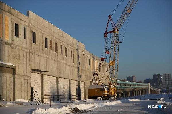 На станции уже построили стены и внутренние перегородки