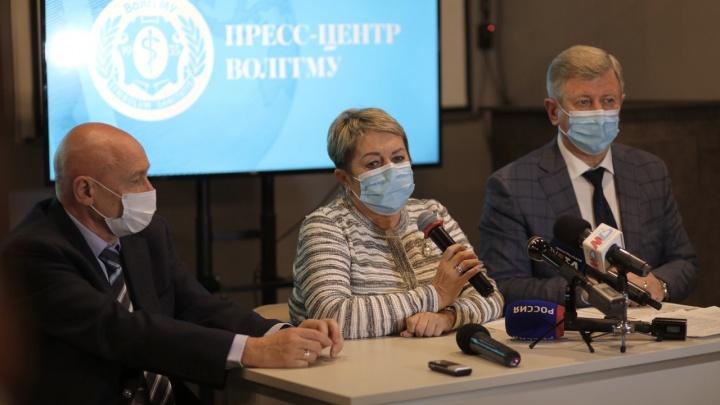 Платное лечение непривитых, заражения привитых и высокая летальность: в Волгограде заявили об ухудшении ситуации с COVID-19