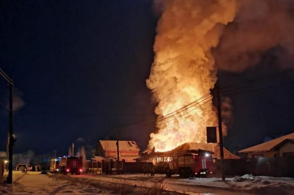 Спасатели полностью ликвидировали огонь только утром