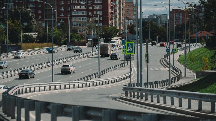 «Не хочу этот УРО!»: в ГИБДД ответили на претензии тюменских водителей к серии госномеров
