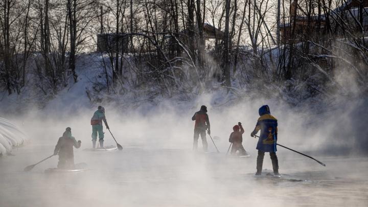 Морозоустойчивые новосибирцы прокатились на сапах — 10 кадров, от которых веет холодом