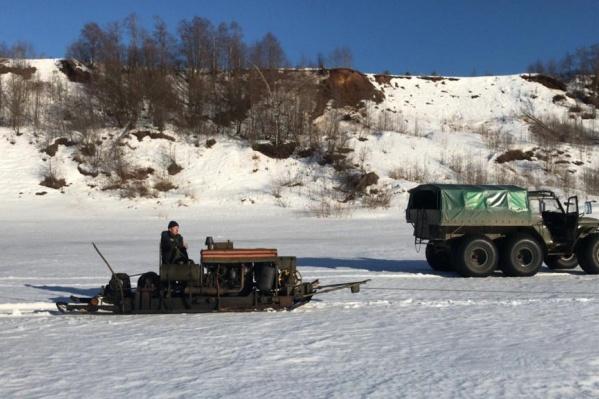 """Общая длина прорезей льда на Северной <nobr class=""""_"""">Двине —</nobr> <nobr class=""""_"""">141 километр</nobr>"""