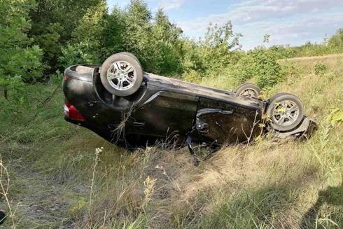 Машина вылетела с дороги в кювет