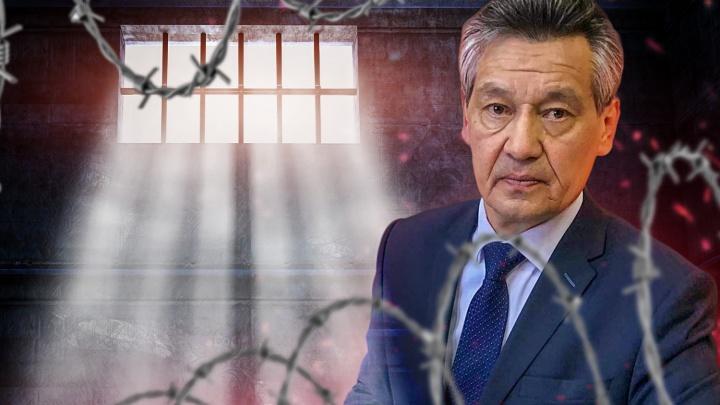 В Уфе декану БашГУ, выступающему против объединения с УГАТУ, пригрозили тюрьмой