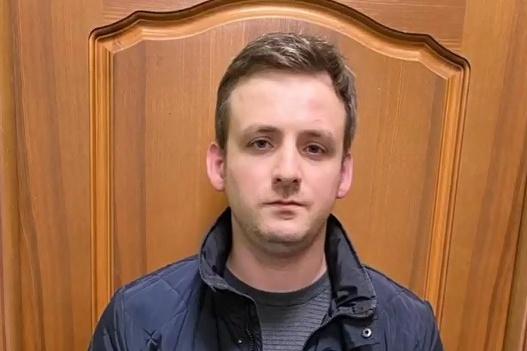 Молодого человека задержали возле его дома