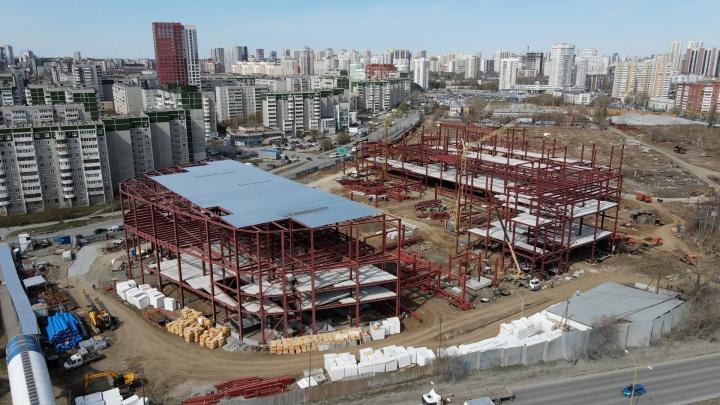 Каркас уже готов: разглядываем с высоты стройку «Золотого» автовокзала на Ботанике