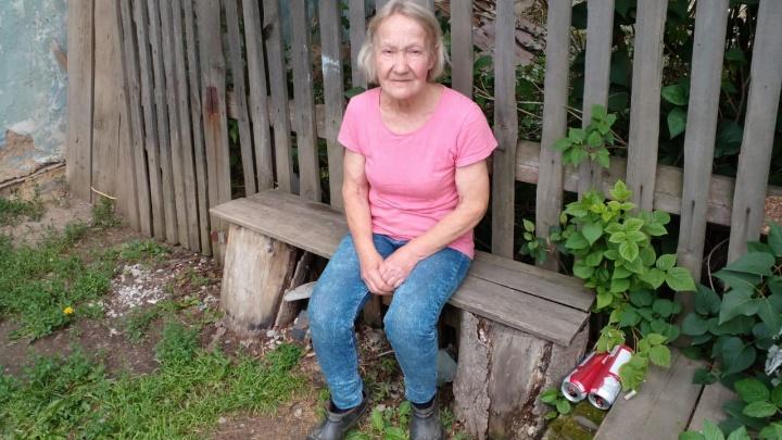 «Будешь жаловаться — сожжем»: пенсионерку выгоняют на улицу за кредит, который она сможет выплатить через 833 года