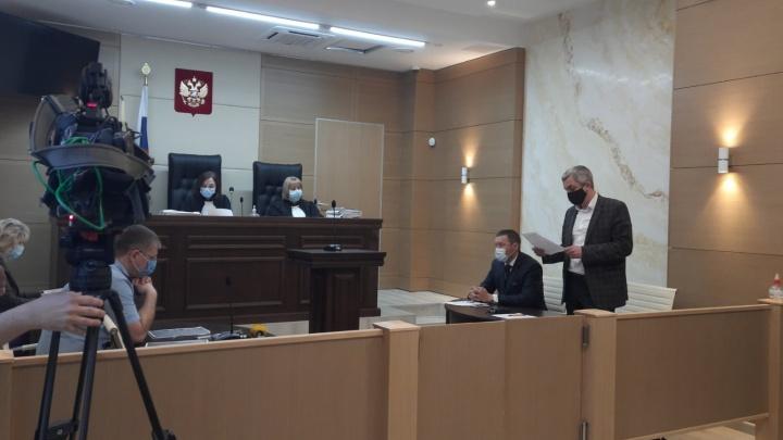 «Не лезьте на участок с техникой»: дело о стройке центра хирургии в челябинском бору пересмотрят заново