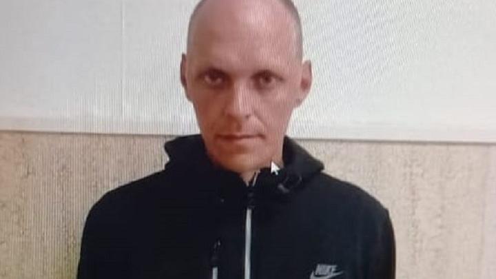 Может прятаться где-то в области: в Волгограде ищут судимого за убийство педофила