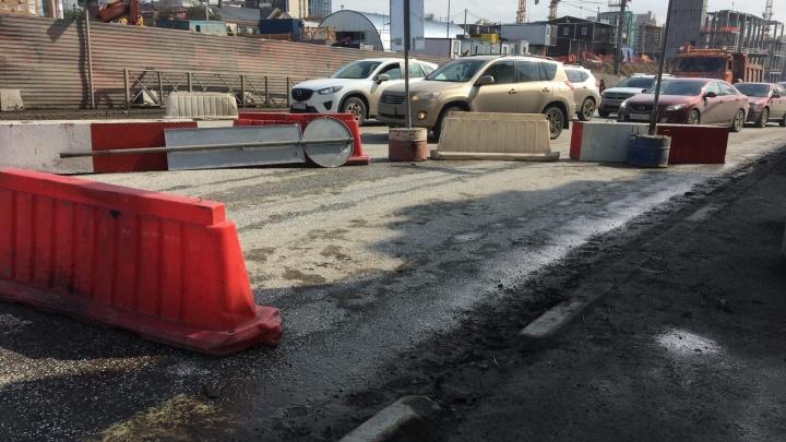 Из-за реконструкции улицы Попова автобусы едут в объезд. Время бесплатной пересадки увеличат? Отвечает дептранс