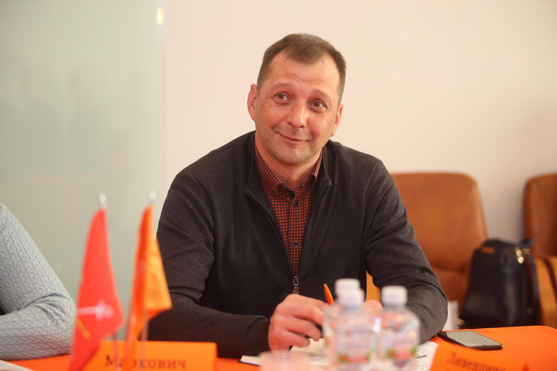 Игорь Маркович, председатель СНТ «Красное», МО «Гостилицкое СП» у деревни Клясино