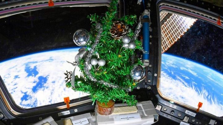 Российский космонавт снял новогодний Челябинск с борта МКС